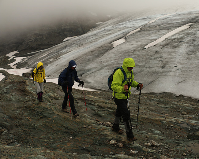 Hiking at the Durrand Glacier Chalet